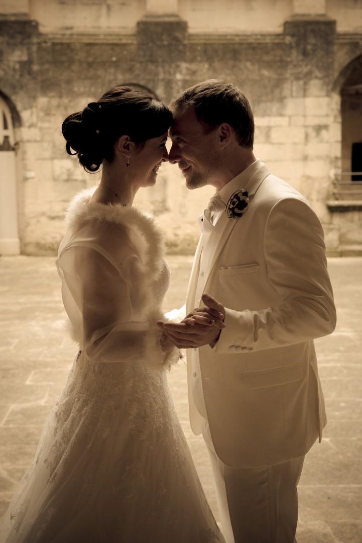 Mariage, photos de couple, habillage (4)