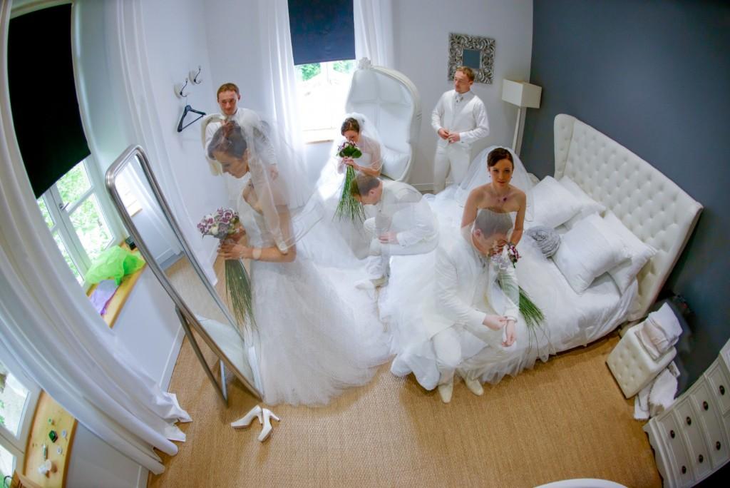 Mariage, photos de couple, habillage (1)