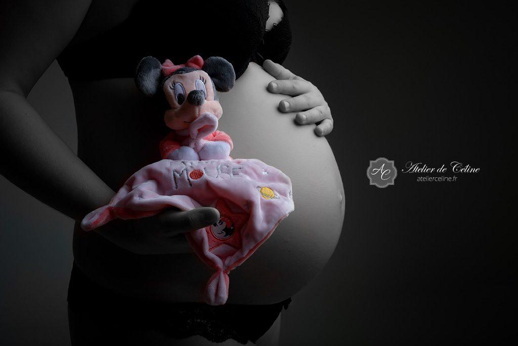 Séance grossesse, studio, femme, noir et blanc (3)