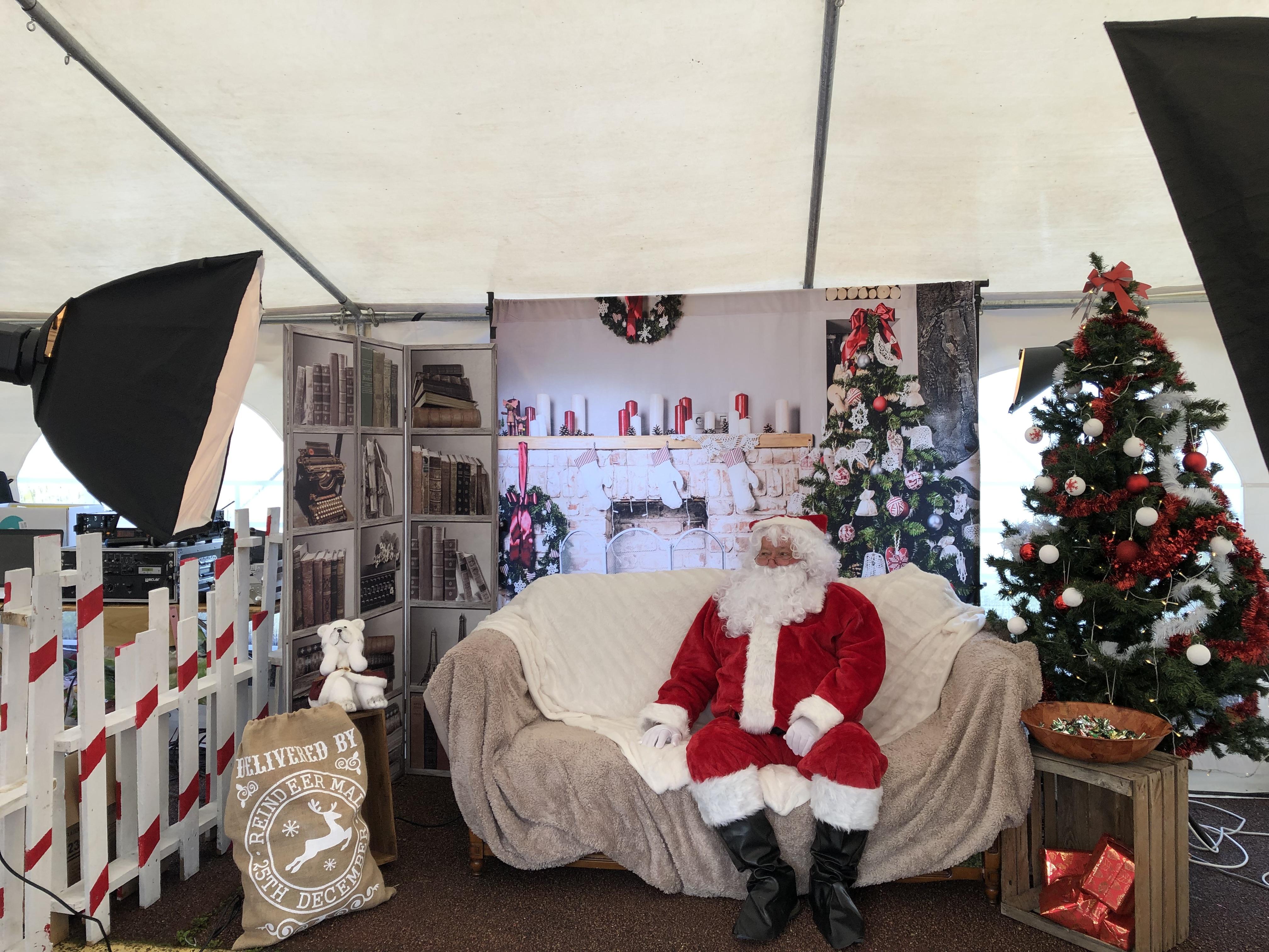 Studio, extérieur, enfants, noël, famille, sapin, Père Noël (2)